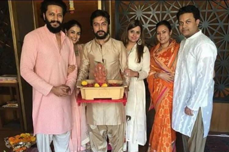 Genelia Deshmukh, Riteish Deshmukh, Ganesh Chaturthi, Twitter image