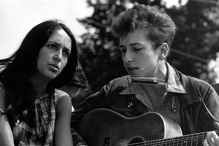 Top 10 must-listen songs of Bob Dylan – winner of Nobel Prize for Literature 2016