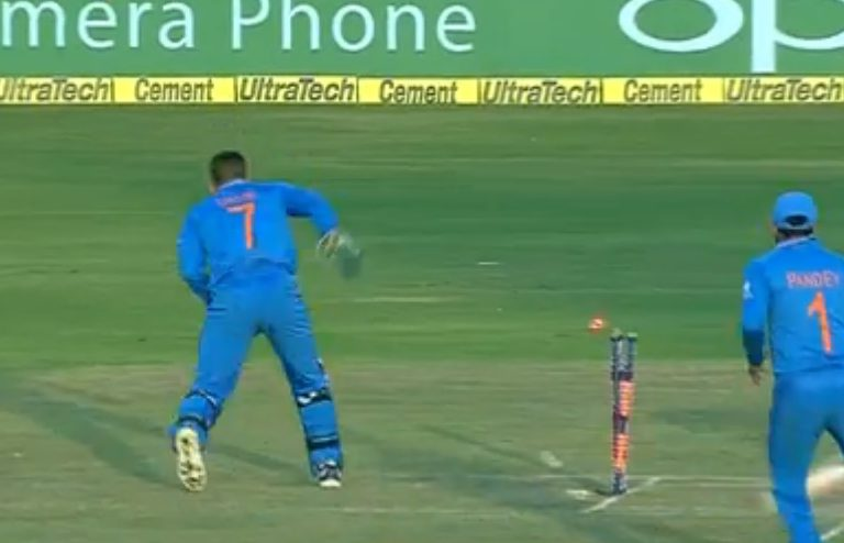 This video proves MS Dhoni is the greatest wicket-keeper who ever played