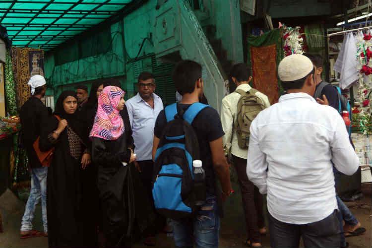 Women can access sanctum sanctorum of Haji Ali Dargah, shrine board tellsSC