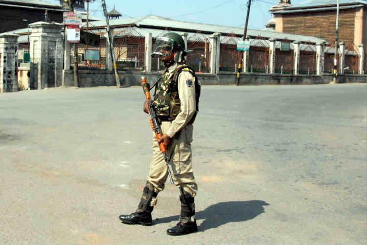 J&K govt sacks 12 employees for 'anti-national' activities