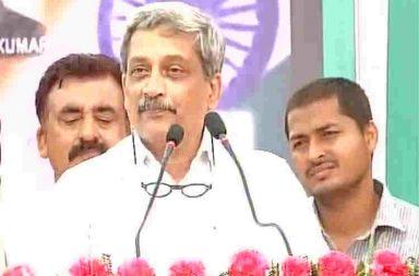 Manohar Parrikar, Defence minister