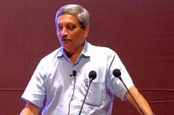 Manohar Parrikar draws flak for crediting PM Narendra Modi for surgicalstrikes