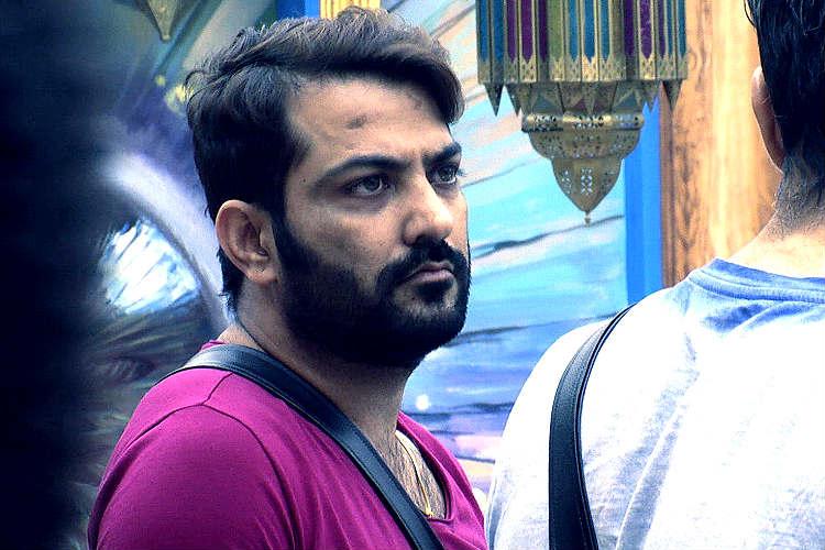 Bigg Boss 10: Manu Punjabi-Monalisa's 'touchy' behaviour troubles housemates andmore