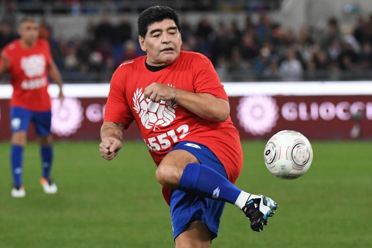 Maradona simply loves to play in Italy. (Photo: AP)