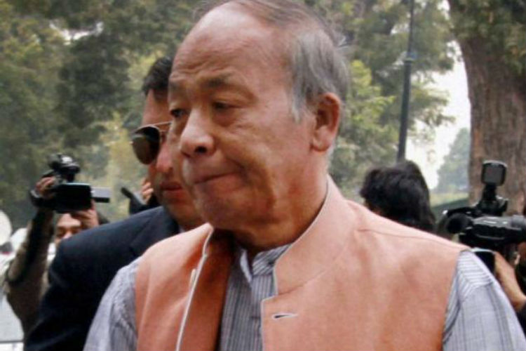 Manipur CM escapes unhurt amid firing by suspected militants