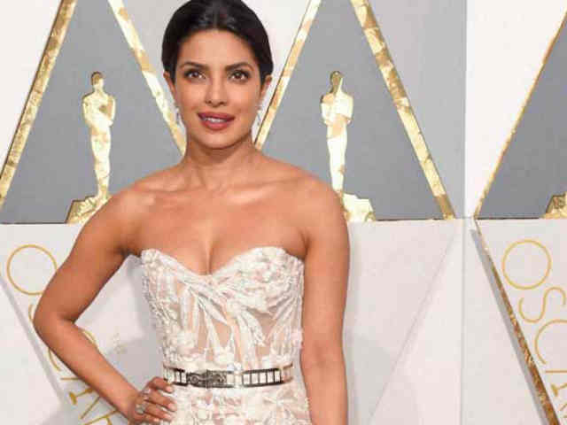 Priyanka Chopra stunned everyone with her attire at the Oscars ceremony. (Photo: Reuters)