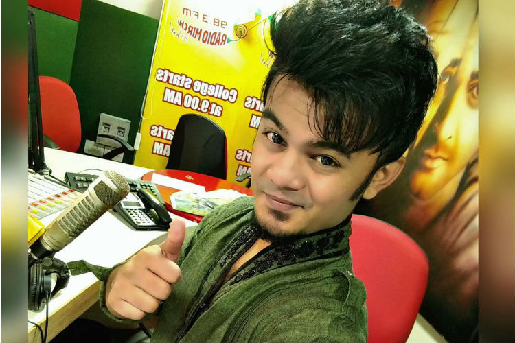 Radio Mirchi RJ dies while hosting live morning show