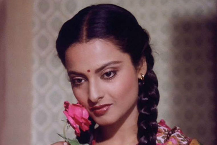 Rekha (Courtesy: YouTube/Khoobsurat)