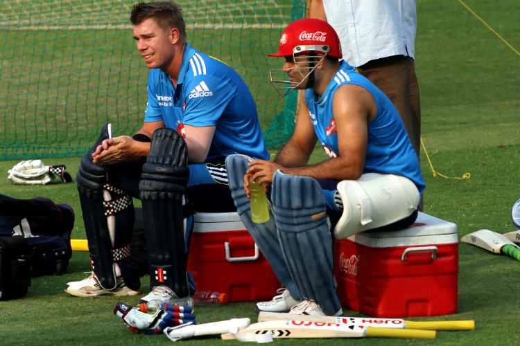 Sehwag's use of English grammar to wish Warner will leave you in splits