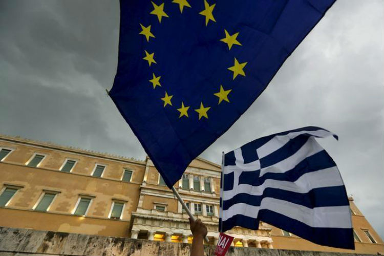Eurozone approves 2.8 billion euros in bailout funds for Greece