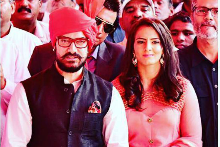 Photos: What did Aamir Khan gift Geeta Phogat at herwedding?