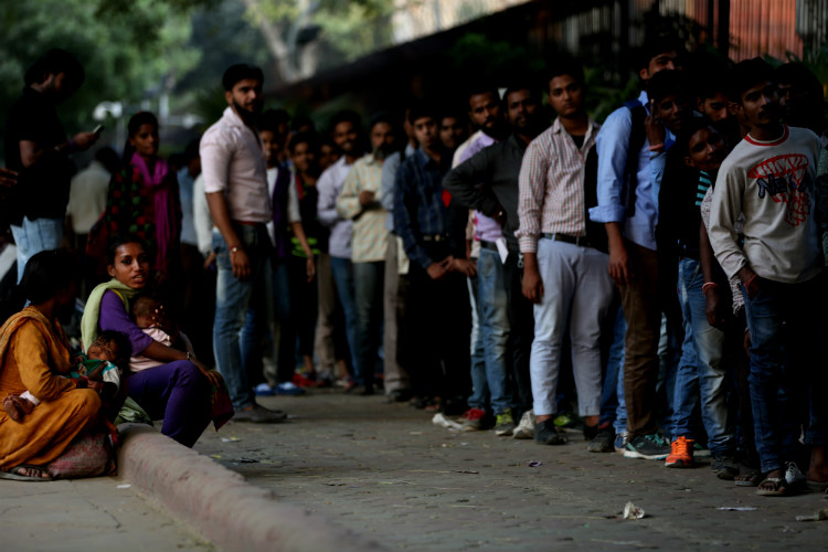 Demonetisation chaos: Control the situation else there may be riots, Supreme Court tells Modi govt