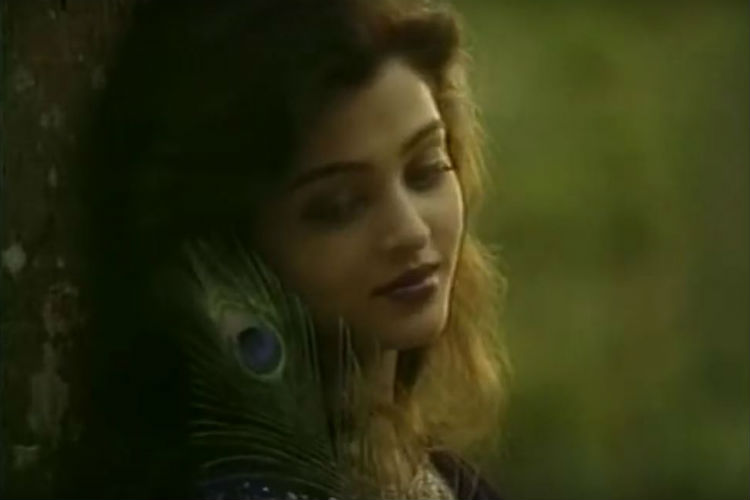 Aishwarya Rai First Advertisment | YouTube Image For InUth.com