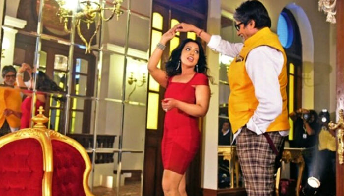 CM Fadnavis' wife to debut in a music video. Meet Amruta Fadnavis, a star in her own right