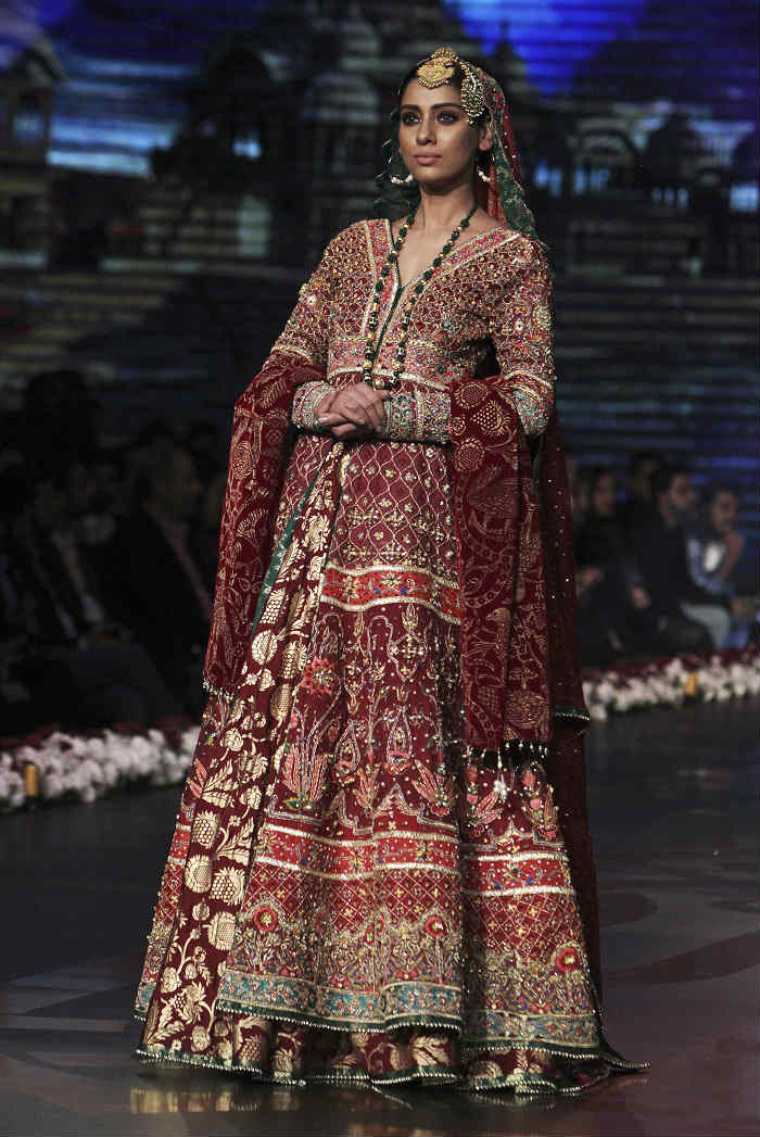 bridal-couture-week-2016-photo-seven-for-inuth