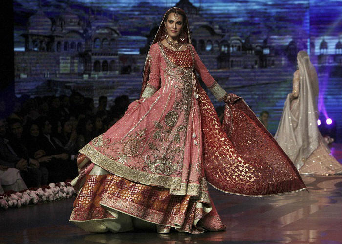 bridal-couture-week-2016-two-photo-for-inuth