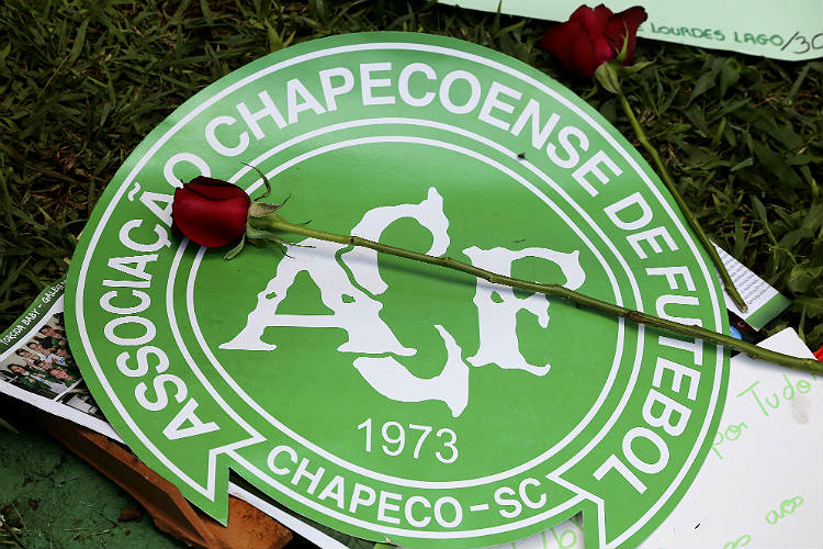 Salute to sporting spirit: Brazilian football clubs offer to loan players to Chapecoense after tragic plane crash
