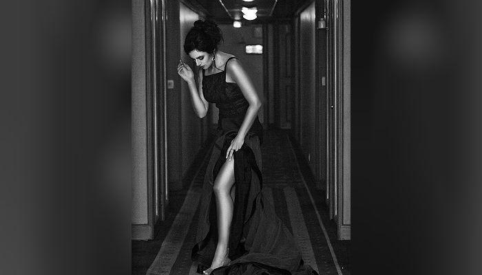 Elena Kazan Mandate photoshoot