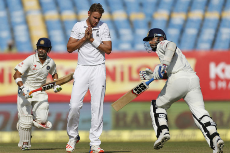 Double breakthrough in the last over of Day 3 will boost England'sconfidence