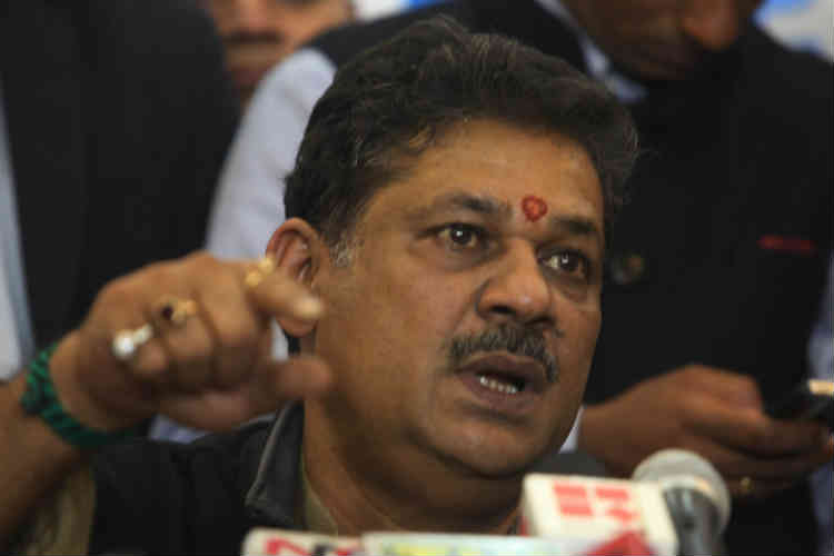 Suspended BJP MP Kirti Azad's wife Poonam set to join AAP