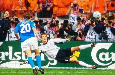 PANENKA, penalty, football, goal, referee, players