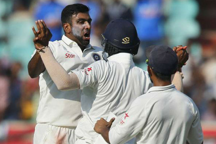 R Ashwin teaches English boys a lesson, shows them why he is the best