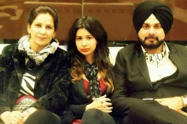 Rabia Navjot Singh Sidhu Family   Facebook Image For InUth.com