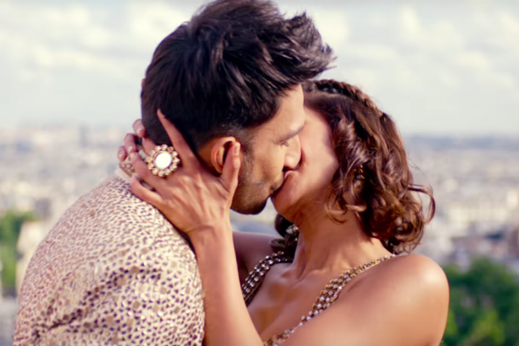 ranveer-singh-vaani-kapoor-khule-dulke-photo-for-inuth