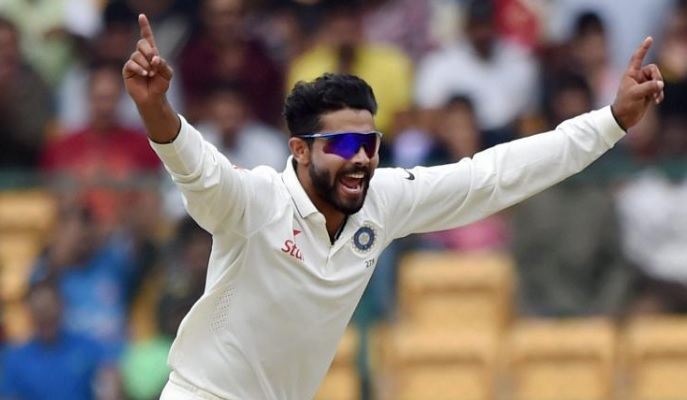 Jadeja gets Cook out on the last ball of Day 4; a Test match can't get better than this