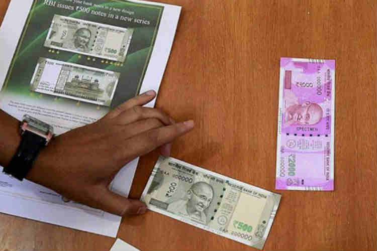 Don't panic, govt is trying to replace your old notes at the earliest, says Jaitley