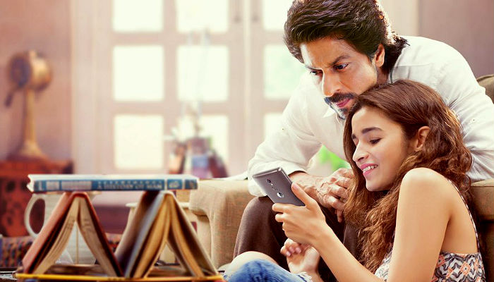 Dear Zindagi beats English Vinglish's lifetime Box Office collection. Should the credit go to Shah Rukh Khan?