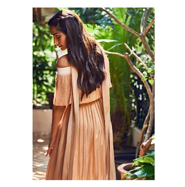 sonam-kapoor-instagram-photo-for-inuth