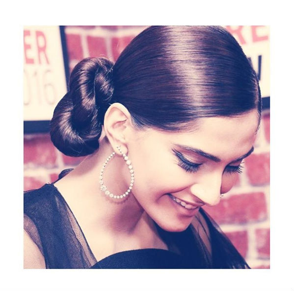 sonam-kapoor-instagram-pic-for-inuth