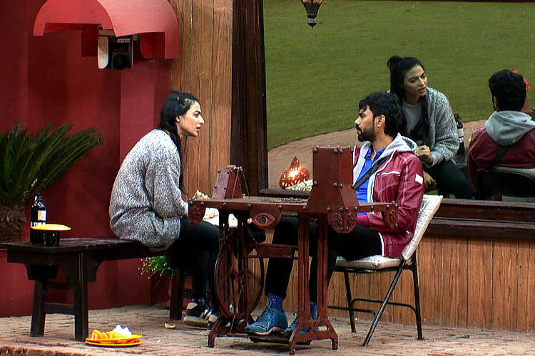 VJ Bani Gaurav Chopra argument in Bigg Boss 10 Colors TV photo for InUth.com