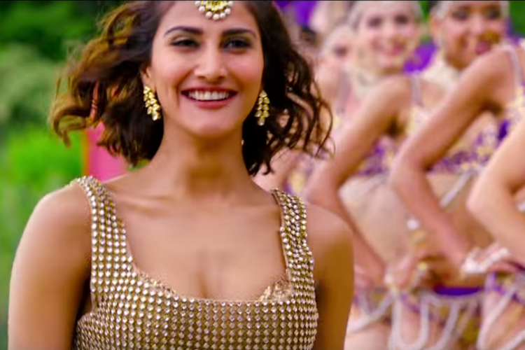 vaani-kapoor-khulke-dulke-photo-for-InUth.com