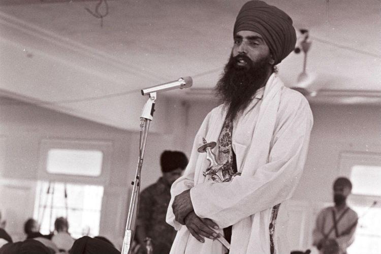 Sant Jarnail Singh Bhindranwale speaking at Maji Saheb Gurdwara