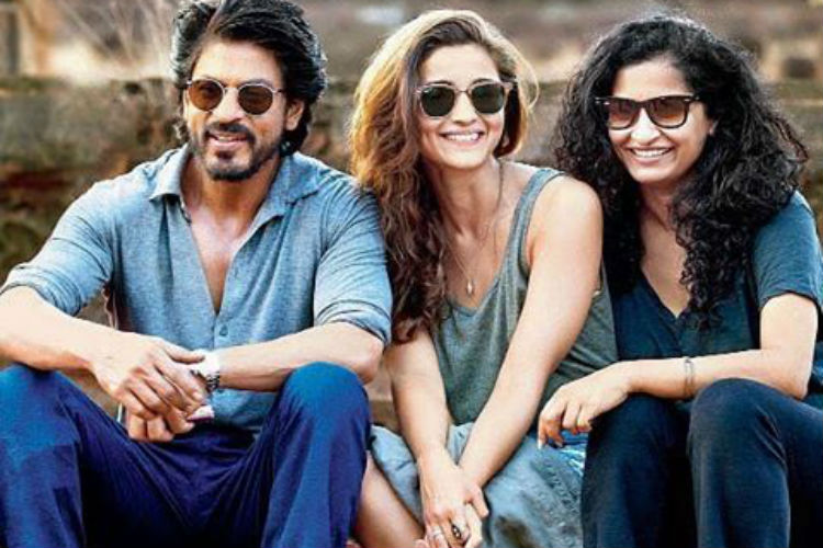 Dear Zindagi critics review: Shah Rukh Khan, Alia Bhatt are magic on-screen