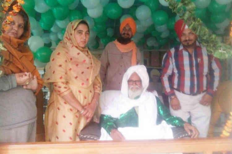 The members of the gurudwara where the marriage took place. (Photo: Express/Nitin Sharma)