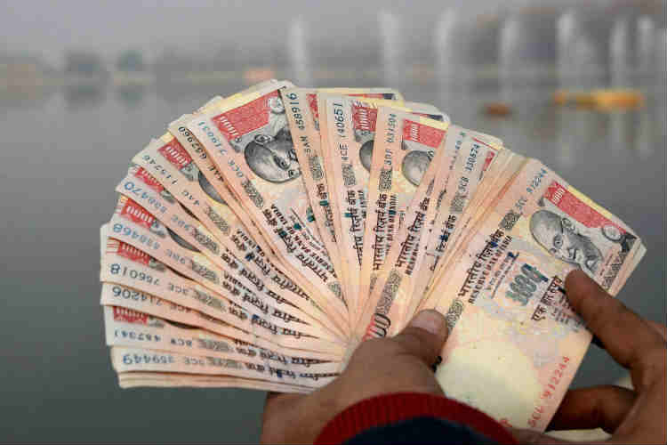 Supreme Court to hear plea on Rs 500, Rs 1,000 notes nextweek