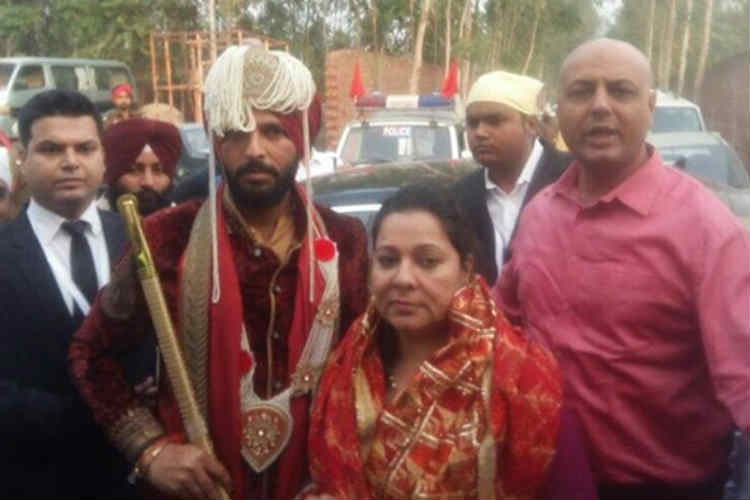 Yuvraj Singh along with his mother at the gurudwara.