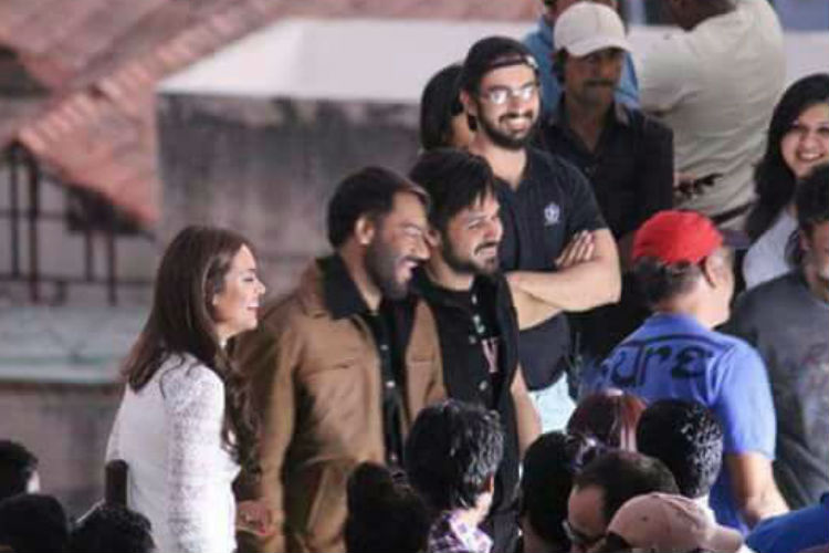 ajay-devgn-esha-gupta-emraan-hashmi-baadshaho-photo-for-inuth
