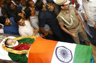 Jayalalithaa's body draped in tricolour (Twitter/AIADMK)