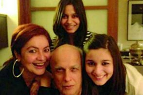 mahesh-bhatt-alia-bhatt-pooja-bhatt-shaheen-bhatt-express-photo-for-InUth,com