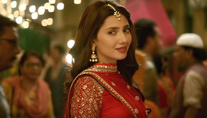Mahira Khan in Raees YouTube screen grab for InUth dot com