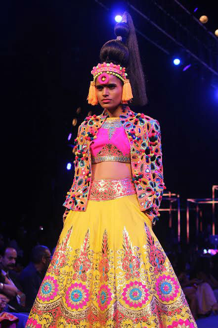manish-arora-fashion-image-two-for-inuth