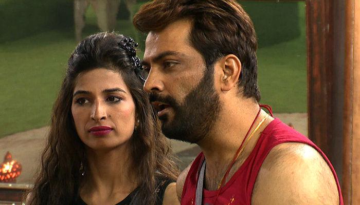 Manu Punjabi Priyanka Jagga Bigg Boss 10 Colors TV photos for InUth dot com new