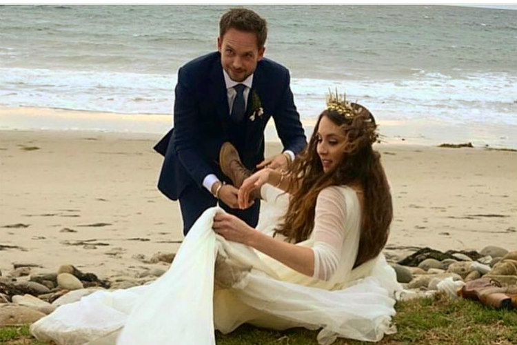 Suits Mike Ross Ties The Knot With Pretty Little Liars