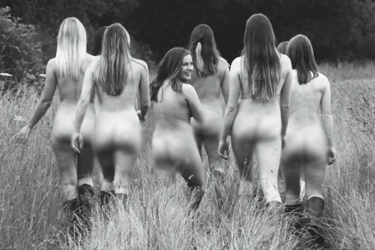Nude Calendar 2017