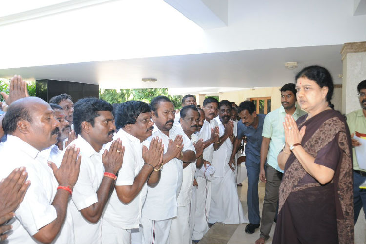 sasikala-1-for-inuth